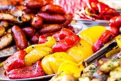 Nytt lagade mat grillade grönsaker, tomater, champinjoner, aubergine Fotografering för Bildbyråer