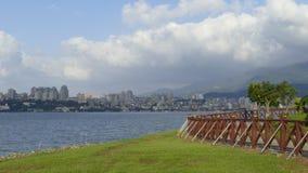 Nytt landskap för väg för cykel för flodstrand för ` s för Taipei stadsfolk, Taiwa Royaltyfri Fotografi