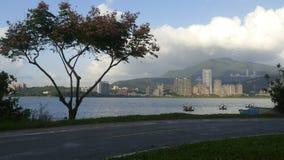 Nytt landskap för väg för cykel för flodstrand för ` s för Taipei stadsfolk, Taiwa Royaltyfri Bild