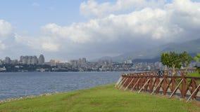 Nytt landskap för väg för cykel för flodstrand för ` s för Taipei stadsfolk, Taiwa Royaltyfria Foton