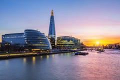 Nytt London stadshus på solnedgången Royaltyfri Foto