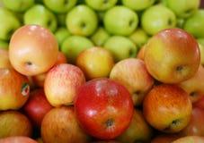 Nytt materiel av äpplet Arkivfoton