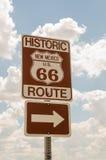 Nytt - Mexiko USA Route 66 tecken Arkivfoton