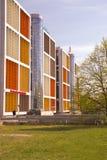 Nytt modernt hus i den Riga staden latvia arkivfoto