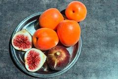 nytt moget för figs saftiga aprikosar Royaltyfri Bild