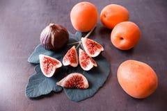 nytt moget för figs saftiga aprikosar Fotografering för Bildbyråer
