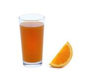 Nytt orange och exponeringsglas med fruktsaft Royaltyfria Foton