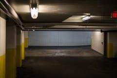 Nytt parkera garage royaltyfria foton