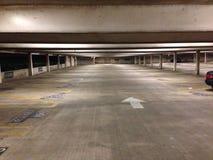 Nytt parkera garage Fotografering för Bildbyråer