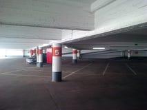 Nytt parkera garage Arkivbilder