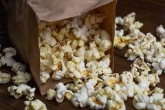 Nytt popcorn- och papperspaket Royaltyfri Bild