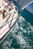 nytt seglar under windyachten royaltyfria bilder
