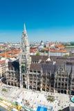 Nytt stadshus på den Marienplatz fyrkanten i Munich, Tyskland Arkivfoton