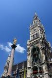 Nytt stadshustorn, Munich Arkivfoto