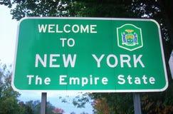 nytt tecken att välkomna york Royaltyfria Foton