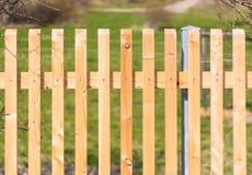 Nytt trädgårds- staket royaltyfri fotografi