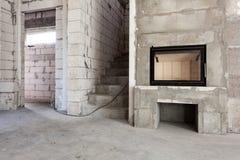 nytt under för konstruktionshus Modern trä-avfyrad spiskonstruktion Kolsyrade konkreta kvarter, cementmurverkväggar, plast- w Fotografering för Bildbyråer