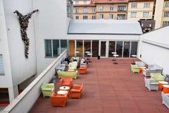 Nytt utomhus- kafé av museet av samtida konst arkivbild