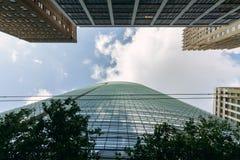Oändliga företags byggnader i centrum arkivbilder