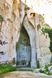 Oído de Dionysius en Syracuse, Sicilia Fotos de archivo