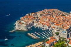 Обзор к старому городку Дубровника, Хорватии стоковое фото