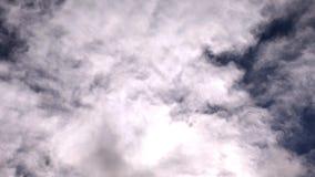Облака двигая на hyperlapse неба видеоматериал