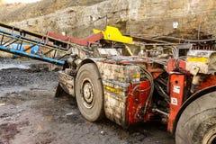 Оборудование добычи угля и завода по обработке стоковое фото rf