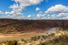 Оглушать Kalbarri национальный парк с песчаником, растительностью и сценарными взглядами ущелья в западной Австралии стоковое фото