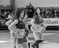Одесса, Украина - Febr 16, 2019: Яркие характеристики динамической чувствительности группы поддержки спортивной команды женщин По стоковые фотографии rf