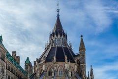 Оттава КАНАДА - 17-ое февраля 2019: Федеральное здание парламента Канады в Оттаве, Северной Америке стоковое фото rf