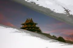 Отражение запретного города и снега, Пекин стоковые фото