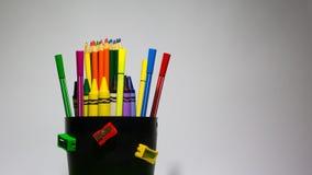 Ołówki, kredki, markiery z tło bielem Obrazy Stock