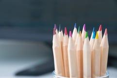 Ołówki w szklanym słoju fotografia stock