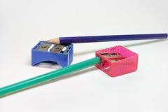 Ołówkowe ostrzarki i dwa ołówka zdjęcia royalty free