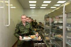 Żołnierze lunch w bakłaszkach Obraz Royalty Free