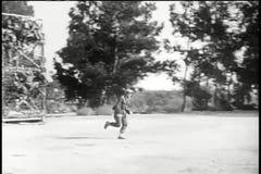 Żołnierze trenuje w obóz dla rekrutów zbiory wideo