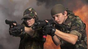Żołnierze up w rękach Zdjęcia Royalty Free