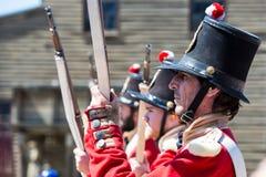 Żołnierze w demonstraci przy Niepodległym wzgórzem Zdjęcie Royalty Free