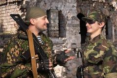 Żołnierze w obozie po akcj bojowa Zdjęcia Stock