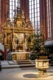 Ołtarz grodzki kościelny Bayreuth i chrzcielnica Zdjęcia Stock