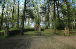 Ołtarz na Waldfriedhof w Dambeck blisko Greifswald, Niemcy (lasowy cmentarz) obrazy stock