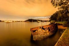Ośniedziała łódź przy Sawmiller ` s rezerwą Obraz Royalty Free