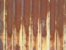 Ośniedziała cynk ściana i ośniedziały gwóźdź Zdjęcie Royalty Free