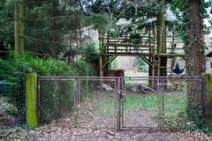 Ośniedziała ogrodowa brama Zdjęcia Royalty Free