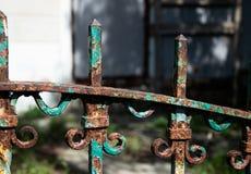Ośniedziała sekcja dekoracyjny metalu fechtunek obrazy stock