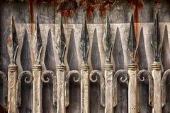 Ośniedziały Dokonanego żelaza ogrodzenie Obraz Stock