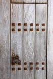 Ośniedziały drewniany drzwi Fotografia Stock