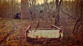 Ośniedziały kawałek stary samochód dostawczy Zdjęcie Royalty Free