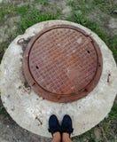O?niedzia?y round kanalizacji hatchway fotografia stock