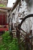 Ośniedziały rower do góry nogami obrazy royalty free